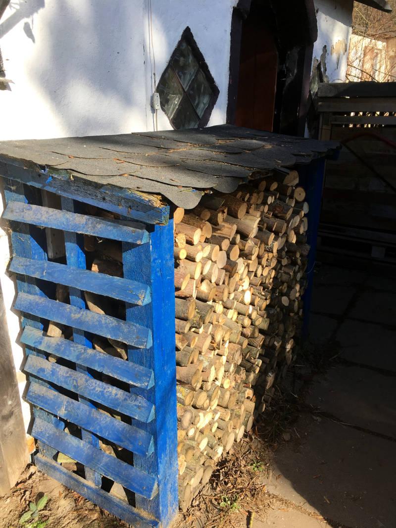 Regal für Brennholz