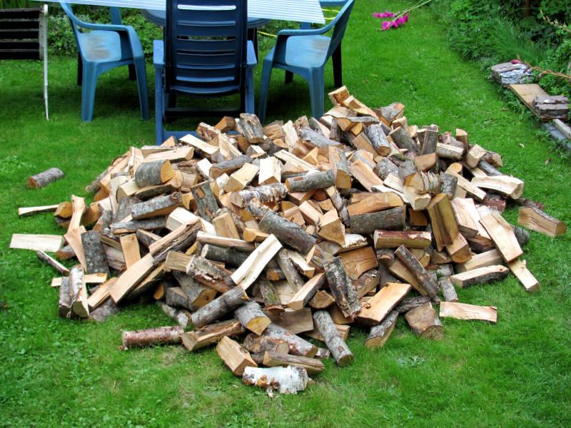 Brennholz Haufen