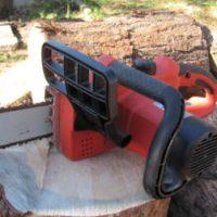 Elektro-Kettensäge Brennholz
