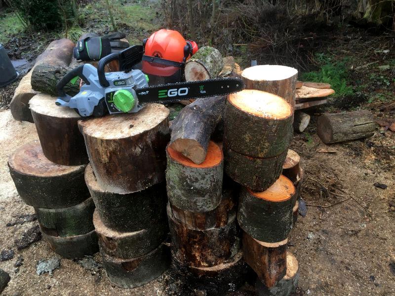 Akku Kettensäge Brennholz sägen
